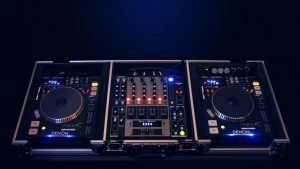 DJ controller and turntable